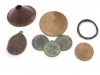 Münzen, Ring und Pilgerzeichen